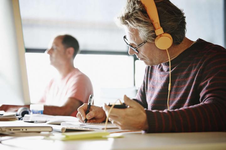 Why People Often Disagree Sound of Headphones?